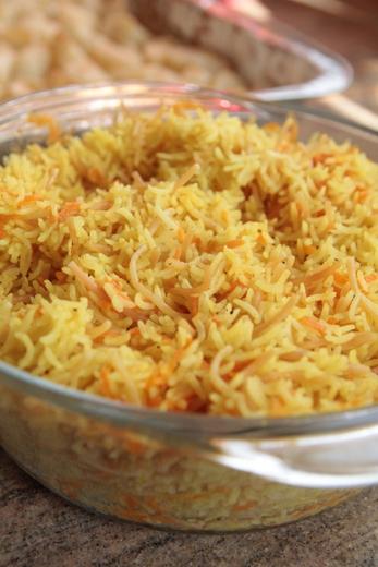 אורז אטריות צהוב במיקרוגל